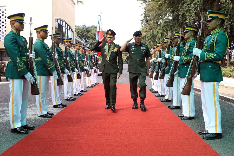 Royal Thai Army Senior Officer  pays courtesy call to CGPA