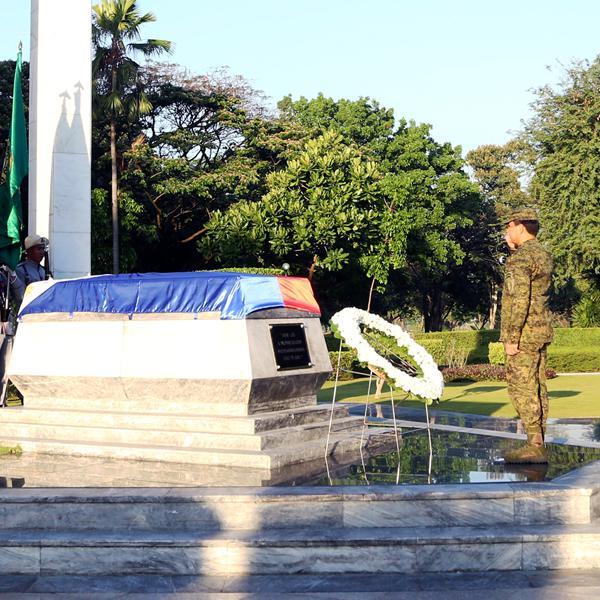 Army conducts Wreath-laying Ceremony for its 121st Anniversary